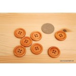*B233(10/4)* Wooden button: Round (7pcs)