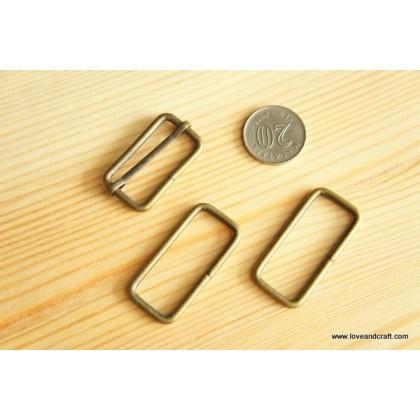 *T00223(10/3)~* Rectangular ring: Bronze 2.0-3.8cm