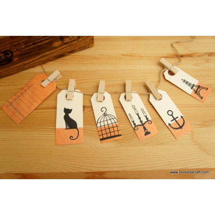 *T00232(10/3)* Wooden clip and bookmarks set