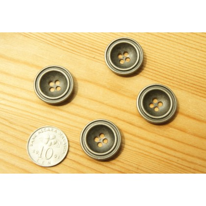 *B00290~* Metal vintage button 1.8cm