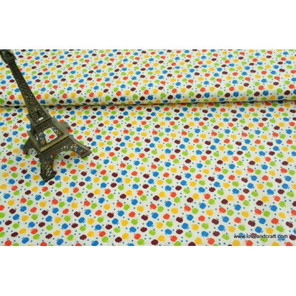 *FC00755* Cotton: Colorful apples on pastel yellow 160cm