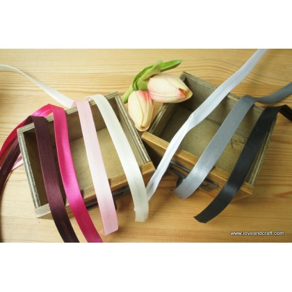 *700551* Satin bias tape: Assorted colours