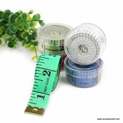 *T00324(10/3)~* Measurement Tape With Storage Box