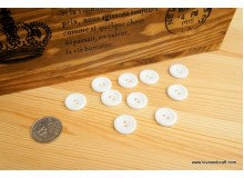 *B00244* Resin Button: White  1.8cm (8pcs)