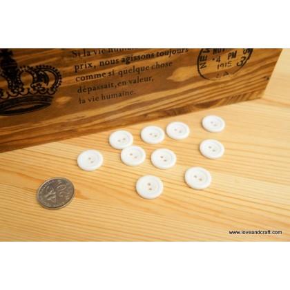 *B00244* Resin Button: White  1.8cm (8pcs)